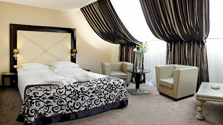 Week end vasion prague 3 jours 2 nuits hotel grandior for Elephant design hotel 4