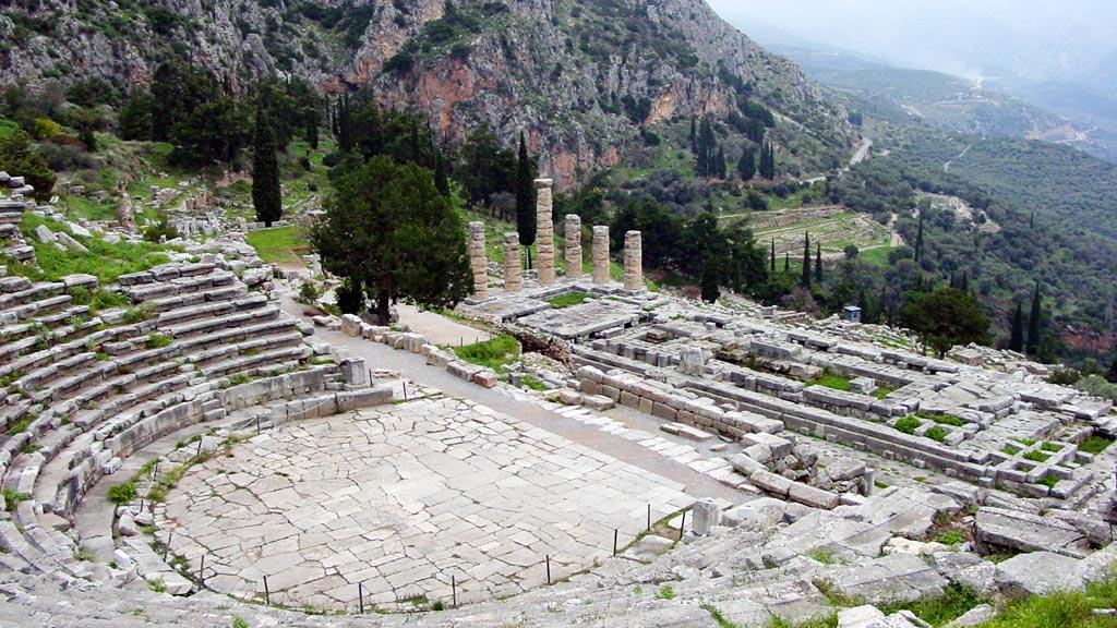 Partir à Delphes en Grèce